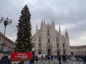 Duomo and Christmas Tree
