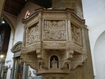 Santa Croce: Pulpit by Benedetto di Maiano, depicting the life of St. Francis of Assisi (1480)