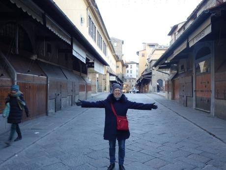 Ponte Vecchio is suprisingly empty at 8 am