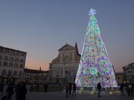 Lighted tree in Pzza. Santa Maria Novella