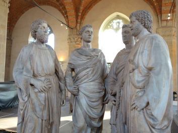 Orsanmichele: Four Crowned Saints - Nanni di Banco, 1409-17 (stone and workworker's guild)